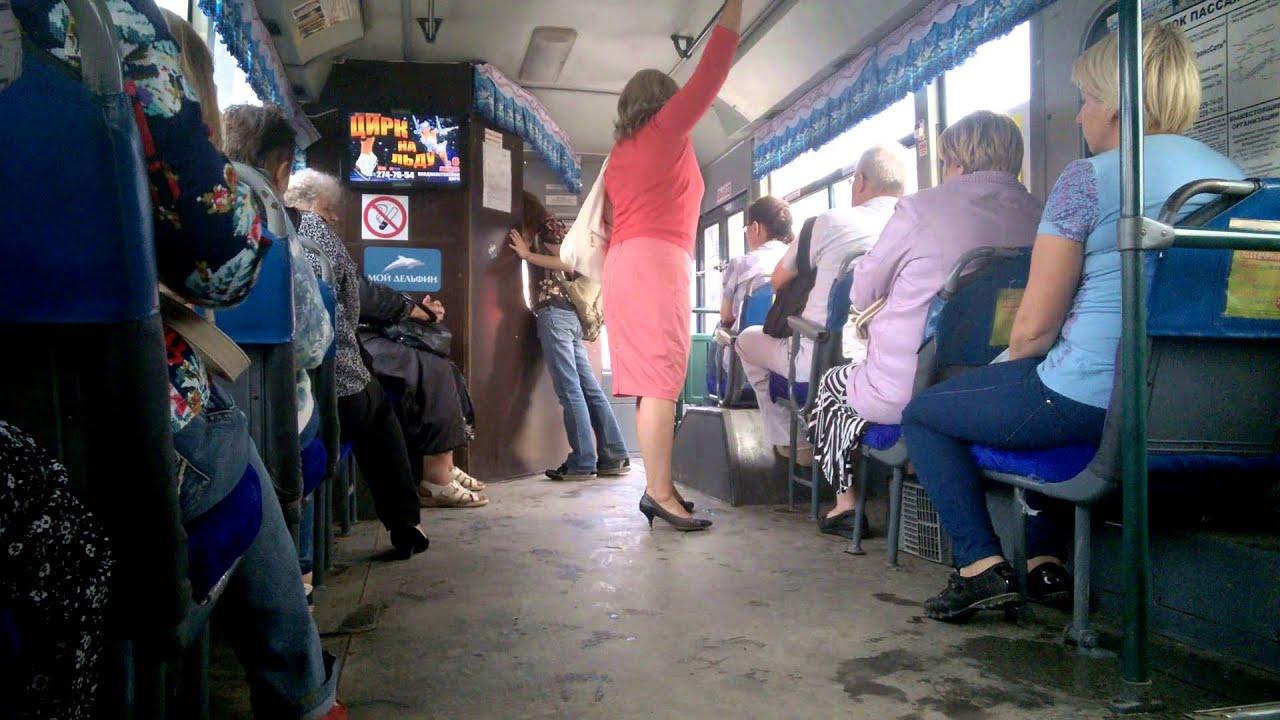 Смотреть трогает женские ноги в автобусе милашки
