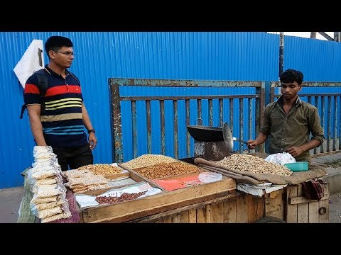 Hard Working Young Man – Selling Healthy Dry Foods Nuts Sim beans shole bot vaza Roadside Tasty food