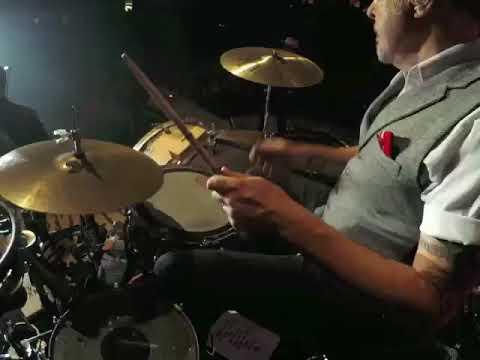 "Travis McNabb with Frankie Ballard ""Delila"" drum cam"