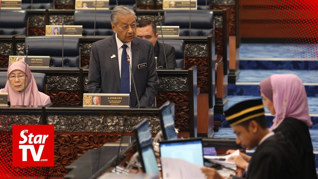 Dr M: Govt studying feasibility of privatising parts of civil service