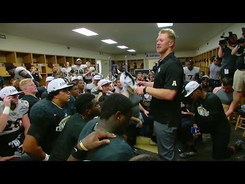 UCF coach Scott Frost becomes emotional addressing his team after winning the AAC title | ESPN