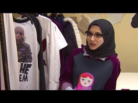Russia: Moscow designer reveals pro-Putin Muslim dress