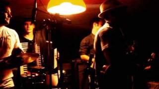 Banda Balalaica - O Beijo Teu (Dengo) no Poizé
