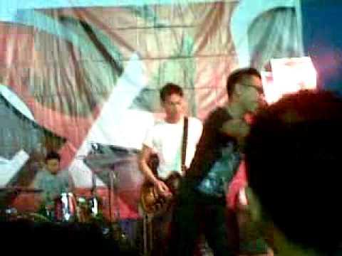 Free Download Garasi - Amarah Live @ Magelang A Mild Tour (22th October 2011)mp4 Mp3 dan Mp4