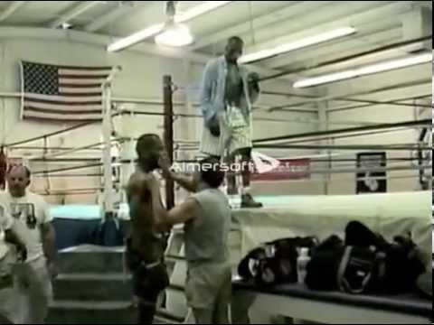 Chris Steele sparring World ranked boxers and bagwork