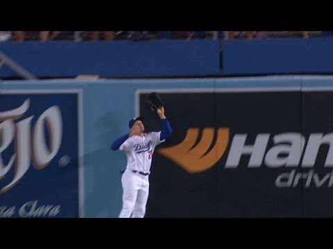 SD@LAD: Thompson robs Kemp with a leaping catch