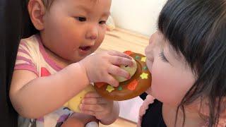 赤ちゃんに辛いカレーはダメ!アンパンマンカレーおこさまランチのおもちゃでお店屋さんごっこ Anpanman Curry Rice Toy thumbnail