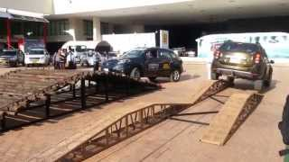 Test Drive Renault Koleos vs Test Drive Renault Duster 2014 Colombia FULL HD