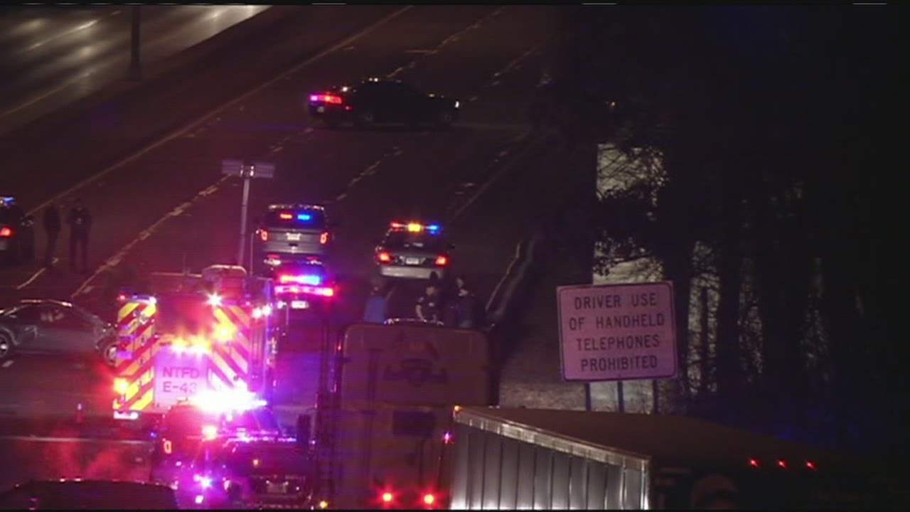 Major accident shuts down I-91 South in Enfield, CT