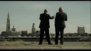 Een Hollander en een Antwerpenaar staan samen aan de Schelde. Zegt de Hollander: ...