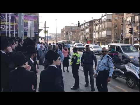 Angry Israelis Take Matters Into Own Hands After Peleg Blocks Road