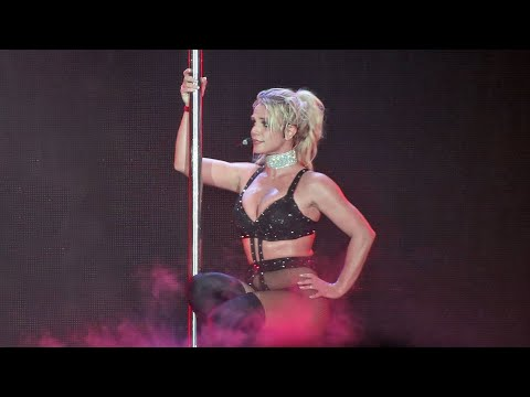 Britney Spears - I&39;m a Slave 4 U   Piece Of Me Tour