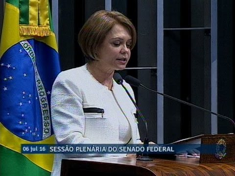Ângela Portela condena 'gastos extras' anunciados pelo governo do presidente interino Michel Temer