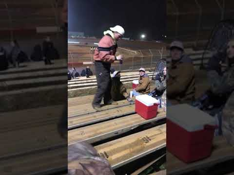 Drunk redneck falls at Talladega Short Track