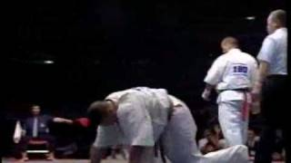 極真空手の第5回世界大会のKO集。 This video is about knock out in Th...