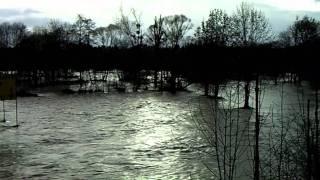 Crues : Inondation sur la Meuse et la  Lesse à Houyet