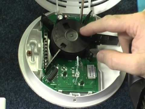 how to clean your hardwired smoke detector youtube. Black Bedroom Furniture Sets. Home Design Ideas