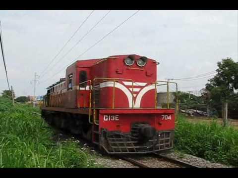 [30.07.2010] D13E-704 chạy đầu đơn ra Ga Sóng Thần