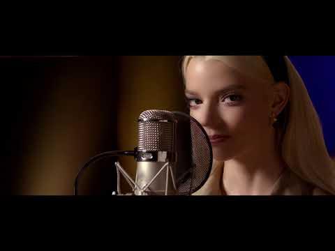 Downtown (Downtempo) por Anya Taylor-Joy para El Misterio de Soho – Video Musical Oficial