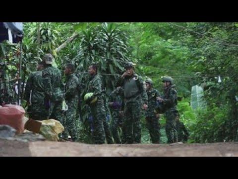 Fallece un buzo en las tareas de rescate de los niños en cueva de Tailandia