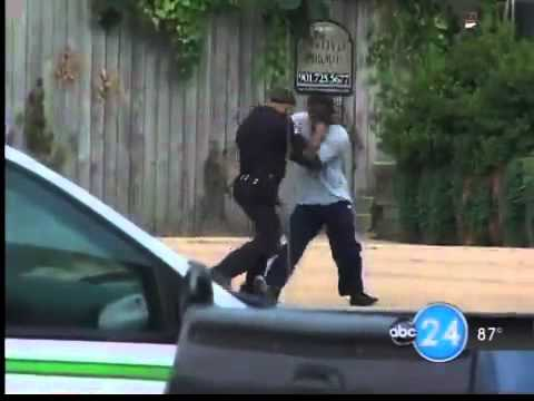 Security Guard Fights Thug