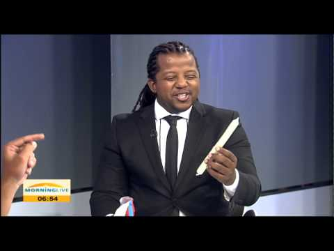 Comedian Nathaniel Davids speaking on Valentines gifts