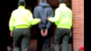 Policía tuvo que salvar a supuesto abusador de dos menores de una turba | Noticias Caracol