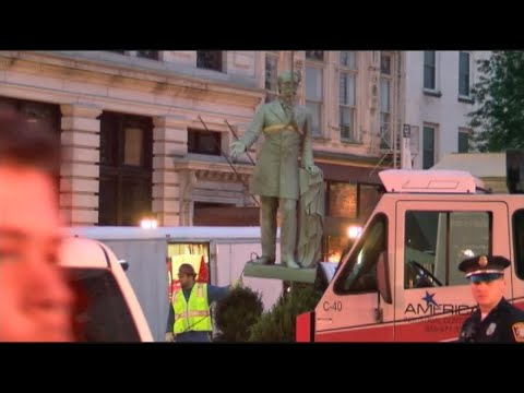 Kentucky city begins moving 2 Confederate statues