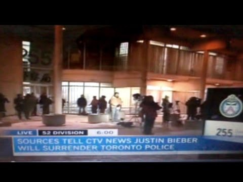 Justin Bieber Surrenders to Toronto Police after Attacking Limo Driver