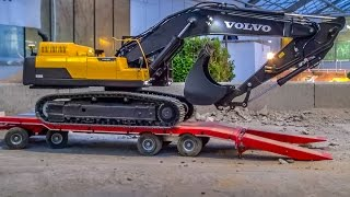 RC Trucks & Excavators in ACTION!