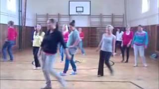 Předtančení - nácvik - GSOŠ Klášterec (IV. S. - r. u. 2012)