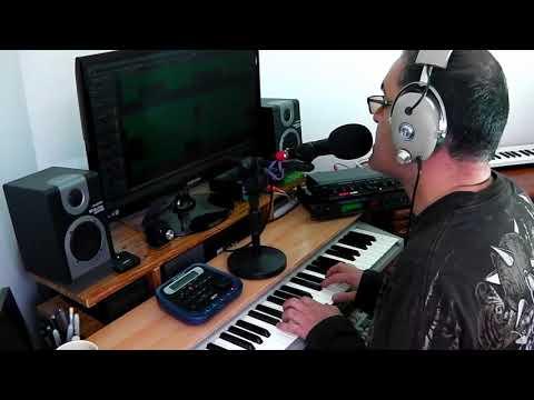 Digitech Vocalist II Koss Pro4AA Alesis 3630 compressor Roland PC-200mkII Superteclados.com