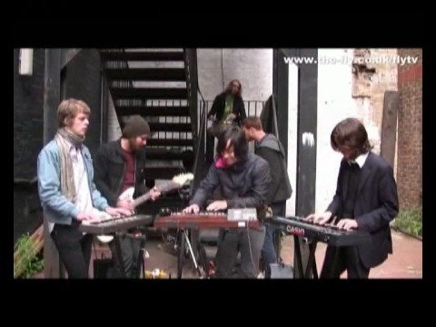 FLY TV In The Courtyard - Casio Kids 'Togens Hule'