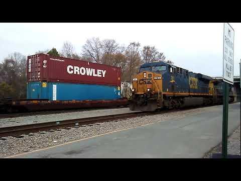 Csx QO38 coming through Monroe with Q580s engines runnin around his train.