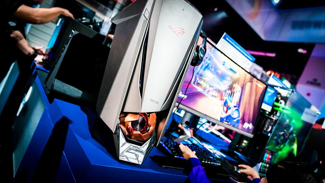 ASUS at Blizzcon 2016: Two-player PC build and G701 VR