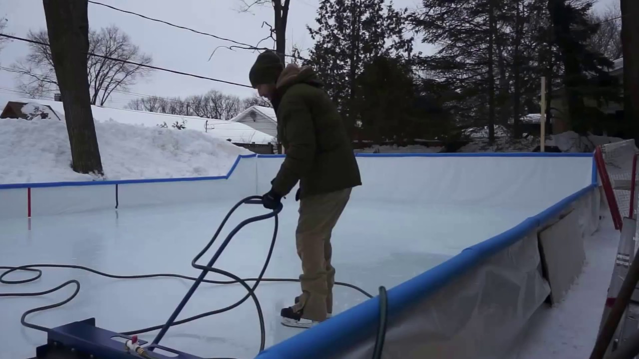 Zamboni patinoire ext rieure qu bec 2017 backyard rink for Patinoir exterieur