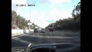 bad dumptruck rollover close call, ace trucker keeps the truck from flipping onto a car