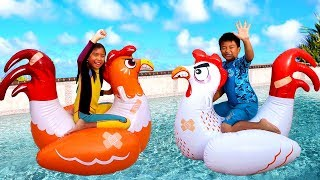 Wendy Pretend Play with Giant Chicken Floats Kids Toys in Swimming Pool