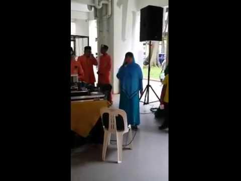 A Hijabi Auntie sang Steelheart's She's Gone