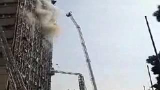 Khumaini Menantang Alloh Akibatnya Apartemennya Terbakar Dan Ambruk