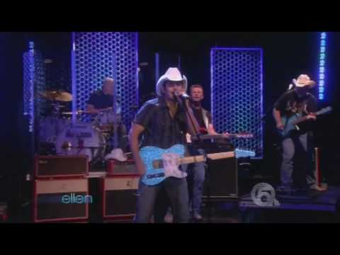 Brad Paisley Performing Welcome To The Future On The Elen Show HD