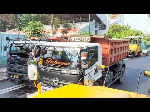 Making Road Using Asphalt Paver Sumitomo HA60C