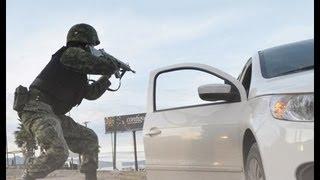 Repeat youtube video Graban Fuerte Balacera En Vivo Sicarios de Los Zetas vs Federales En Juarez