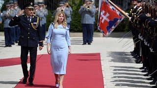 شاهد.. ناشطة في مكافحة الفساد أول رئيسة لـ سلوفاكيا