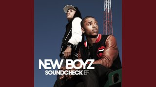 Download Tie Me Down (feat. Ray J) Mp3