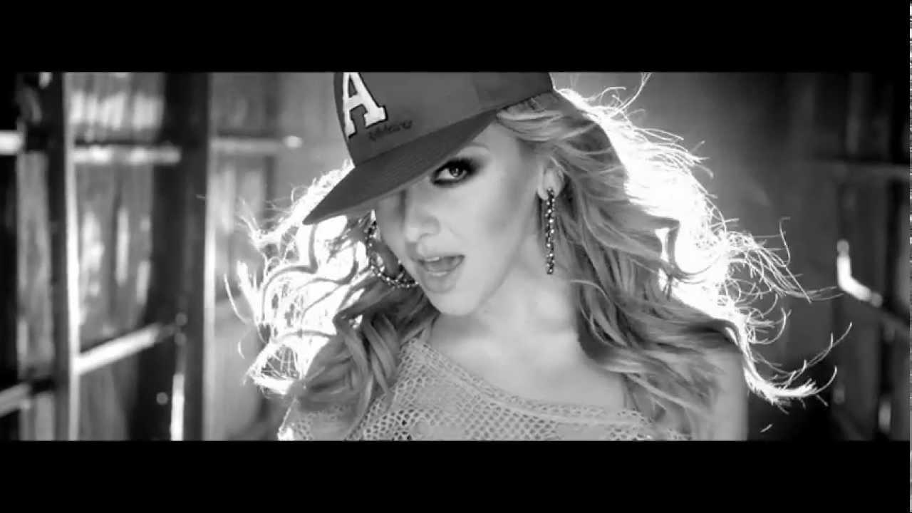 Hadise - Biz Burdayiz (Official Music Video)