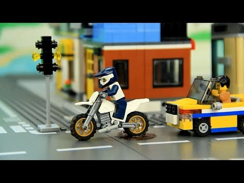 Dirty Car drives to the Car Wash Lego for children