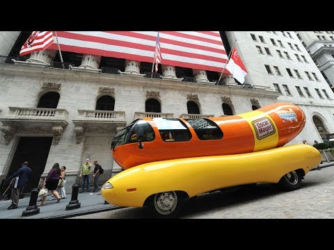Oscar Mayer looking for new employees to drive Wienermobile | ABC7