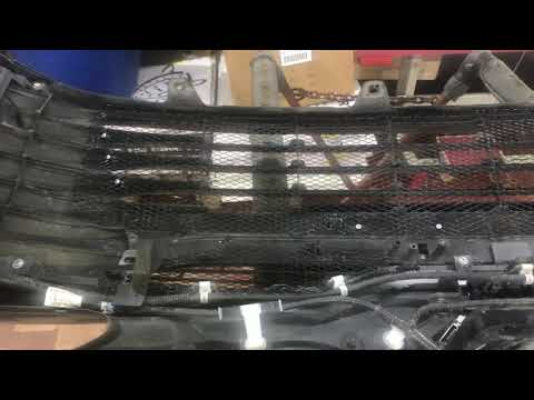 Toyota Camry. Защитно-декоративная сетка радиатора. Защищает и придаёт индивидуальность автомобилю