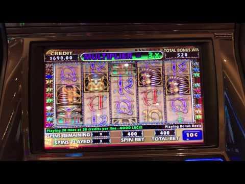 Cleopatra 2 bonus round at Casino Royal on the Harmony of the Sea's